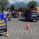 Hari Lebaran, Polisi Putar Balik Pemudik dan Wisatawan di Gentong Tasikmalaya
