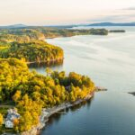 Jelajahi Pelarian Keluarga Danau Champlain yang Seru ini
