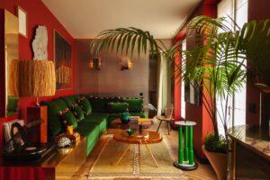 Hugo Toro Membuat Buku Harian Perjalanan dalam Bentuk Apartemen Paris 344 Kaki Persegi