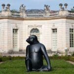Pindah, Marie Antoinette—Patung Hewan Raksasa Ini Mengambil Alih Versailles