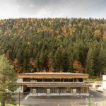 Transformasi kayu: stasiun pemindahan sampah di Villard-de-Lans, Prancis oleh Atelier PNG