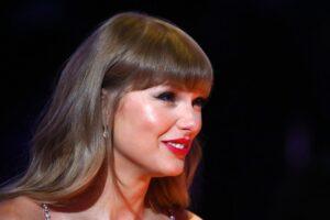 """Sebuah Rumah Yang Ditampilkan dalam Video Musik """"Blank Space"""" Taylor Swift Akan Dilelang"""