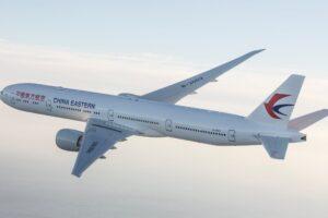 China Meluncurkan Pesawat Penumpang Nasional Pertama—Menyaingi Airbus dan Boeing
